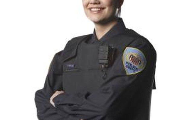 Los agentes de policía se someten a una amplia formación antes de ponerse el uniforme.