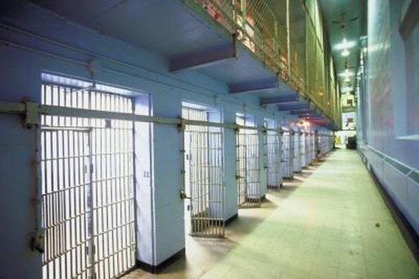 Algunas leyes estadales prohiben a los entrevistadores preguntar si la persona ha sido alguna vez arrestada.