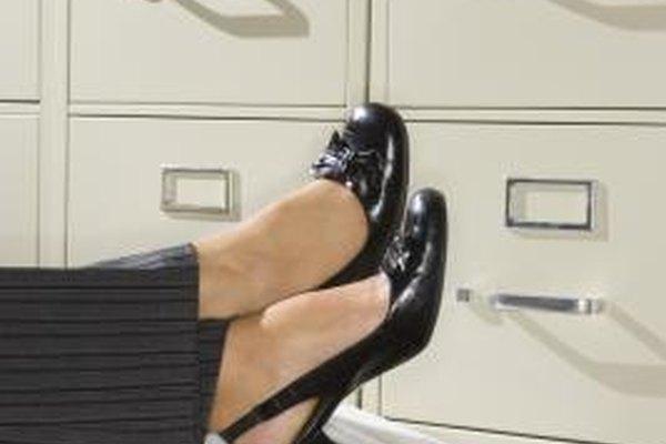 Decide si quieres vender zapatos a los consumidores o a otros comerciales.
