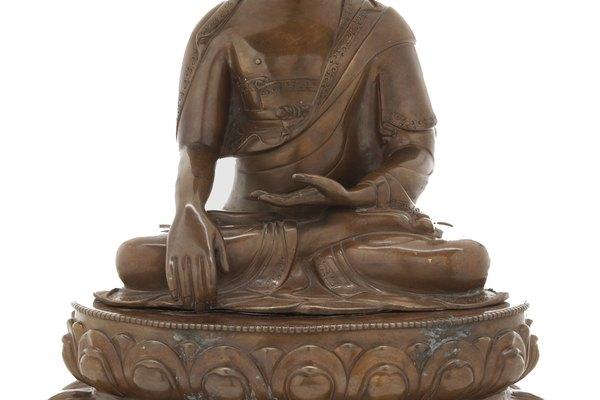 El arte del metal se encuentra en utensilios y esculturas de culturas milenarias.