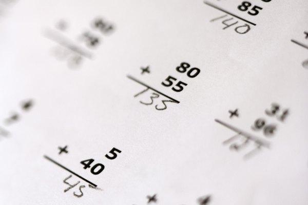 La operación opuesta a la suma es la resta y el opuesto de la multiplicación es la división.