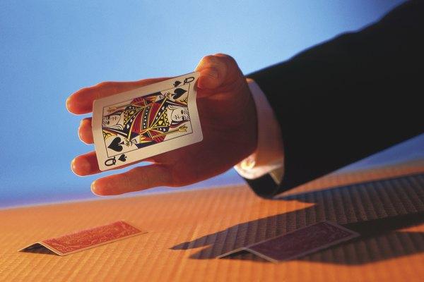 Contar una historia con cartas es una gran manera de combinar la participación de la audiencia, la atracción y las pistas visuales en un paquete de entretenimiento.