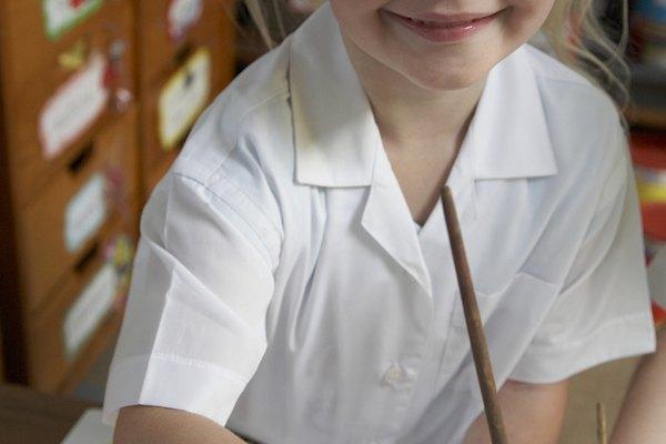 Los niños de segundo grado pueden crear autorretratos de muchas maneras diferentes.