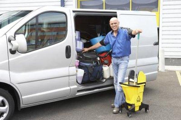 Comienza negocio de limpieza de oficinas desde casa con herramientas de bajo costo y suministros.