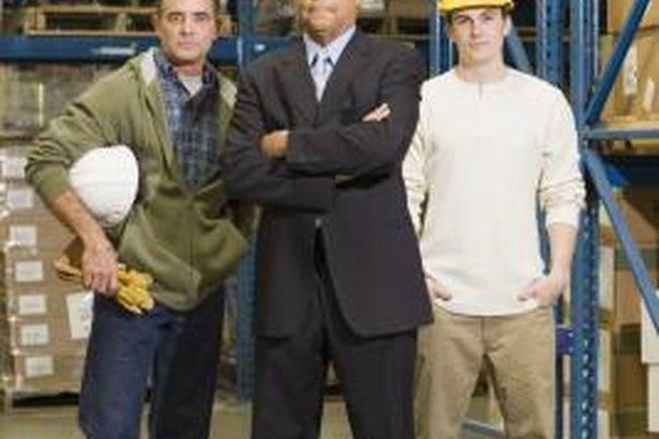 El personal activo incluye trabajadores empleados en administración y labor.
