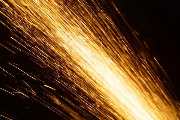El corte por aire del arco de carbono puede imitar el corte por plasma.