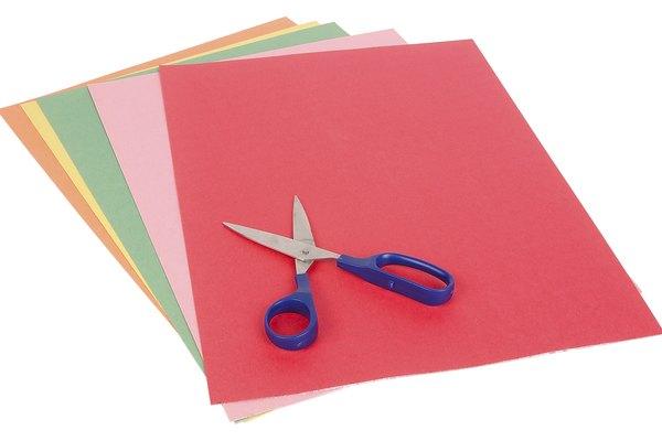 El papel y otros materiales se decoloran con el sol.