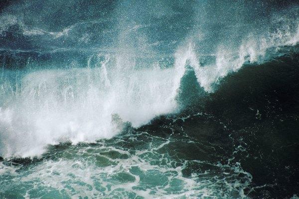 Los vientos dominantes afectan a la arena, la nieve y el mar.