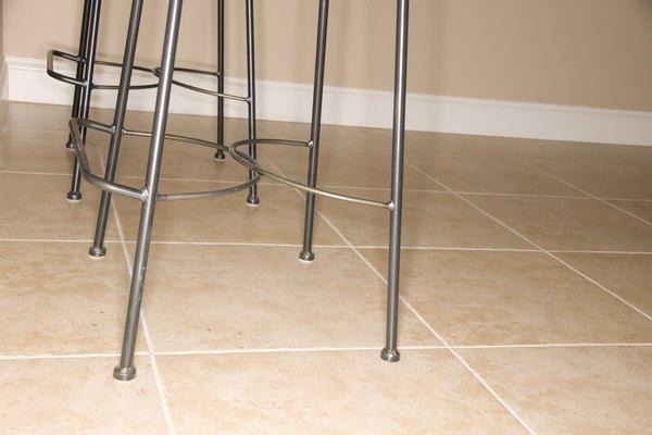 Las baldosas de porcelana pueden soportar grandes cantidades de calor y son consideradas un material para pisos relativamente duradero.