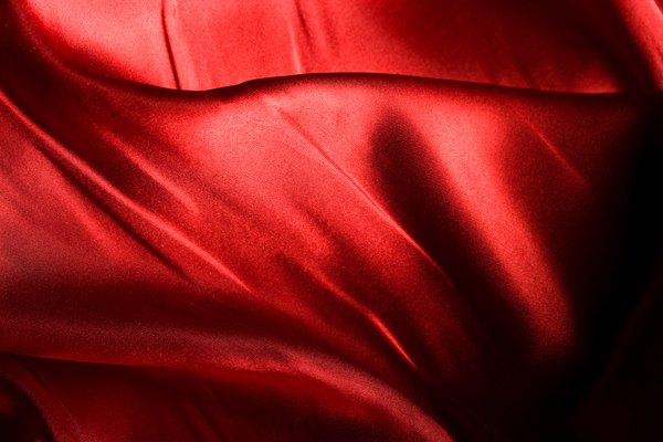 La seda es una tela más costosa.