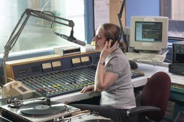 Cómo encontrar trabajos de voz en off en radio.