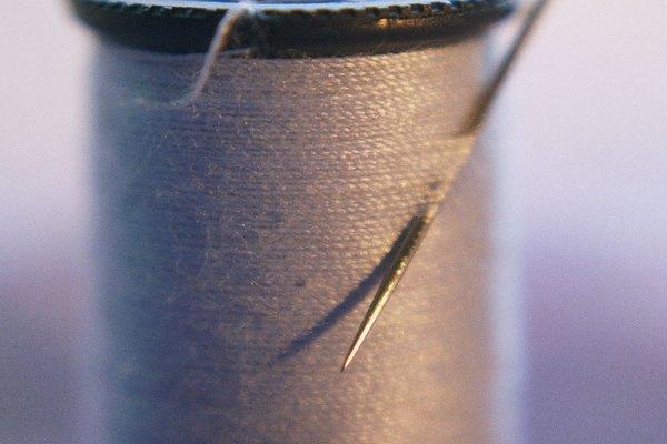 Cose tiras de Velcro sobre pañales de tela en lugar de utilizar alfileres.