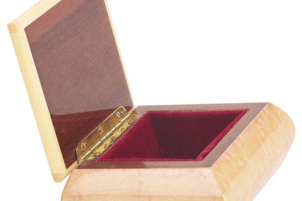 Cualquier producto de madera tallada se puede hacer con madera de marfil.