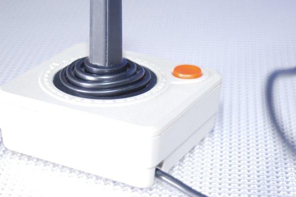 La Sega Genesis usa un cable compuesto de dos partes para conectarse a tu televisor.