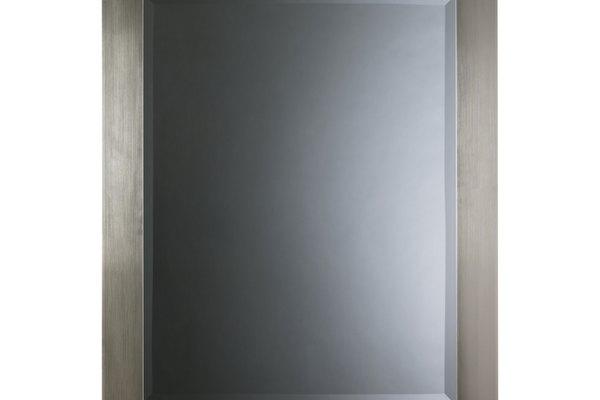 Un espejo acrílico es fácil y rápido de realizar.