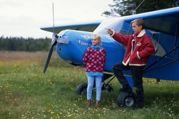 Volar un avión es un sueño de muchas personas.