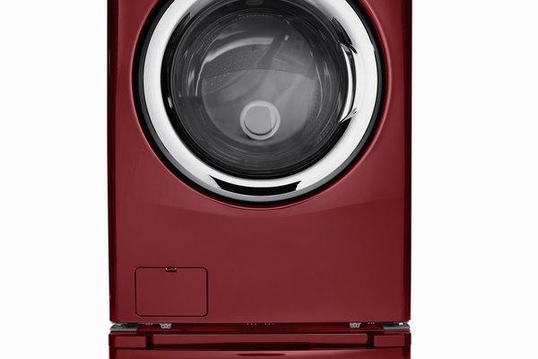 Interrumpe el ciclo de limpieza de tu lavadora Frigidaire deshabilitando el cierre de la puerta.