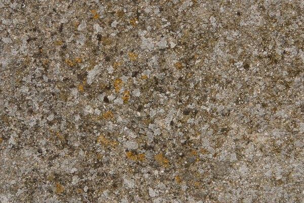 Acercamiento de una formación rocosa sólida.
