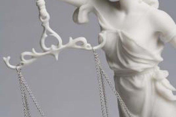 Si la ley refleja los sentimientos éticos de la sociedad es discutible.