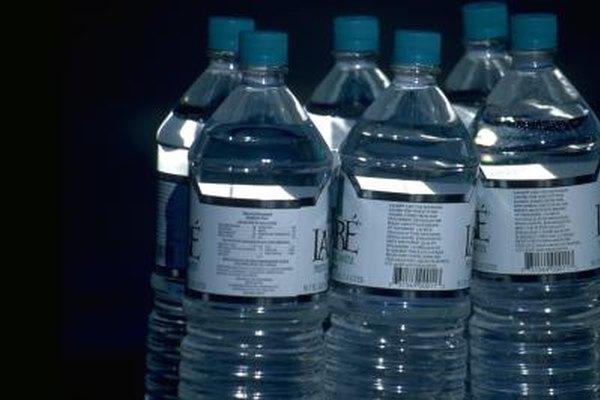 Utilizar botellas de agua personalizadas puede ser atractivo para los clientes potenciales.