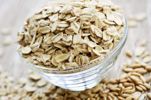 Bowl of uncooked rolled oats