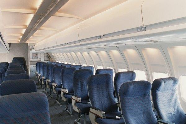 Los asientos de clase turista, se venden a diferentes precios que conllevan un código de tarifa.