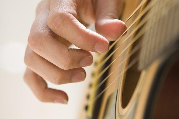 Mi es la cuerda que se ubica más cerca del suelo cuando tocas la guitarra.