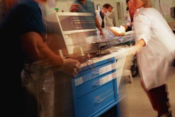 Generalmete los pacientes de las salas de emergencia necesitan cirugía inmediata.