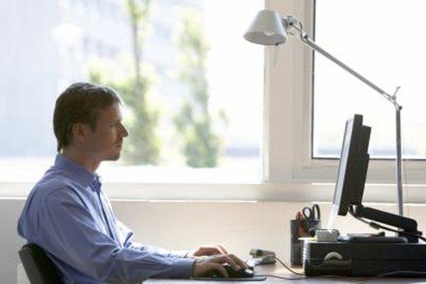 Los sistemas de gestión de información procesan datos en bruto produciendo salidas en la forma de informes.
