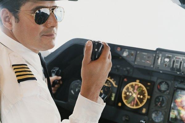 Hay becas y ayudas económicas para las escuelas de aviación.