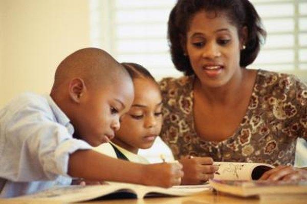 Los padres solteros tienen que encontrar una manera de trabajar y cuidar a sus hijos.