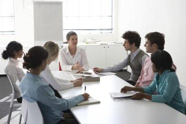 Una de las funciones de la estructura de organización es la toma de decisiones.