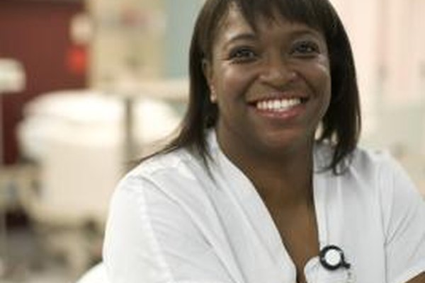 Además de las habilidades, hay ciertas cualidades que le ayudan a la enfermera escolar a proporcionar un cuidado excelente.