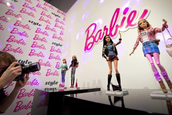 Muñecas Barbie.