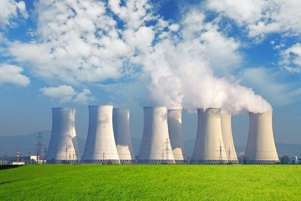 Los isótopos antropogénicos son puramente artificiales y se crean a través de la actividad nuclear.