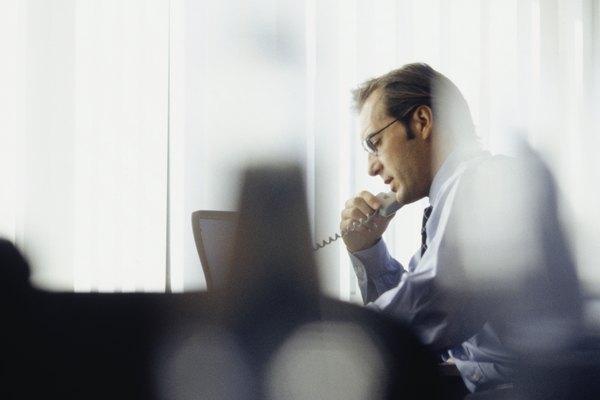 Cuando se trata con alguna finca complicada, un albacea puede tener que contratar a profesionales para ayudar en la solución de la misma.