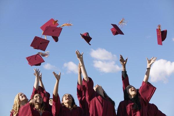 Obtener un diploma de preparatoria te abrirá más oportunidades en la vida.