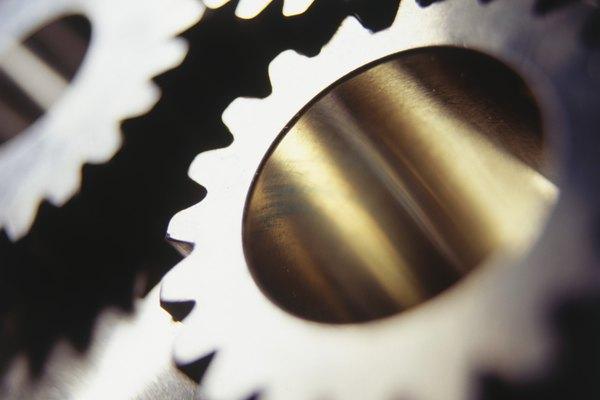 Los engranajes se han utilizado durante cientos de años como una manera de mover componentes de máquinas pequeñas.