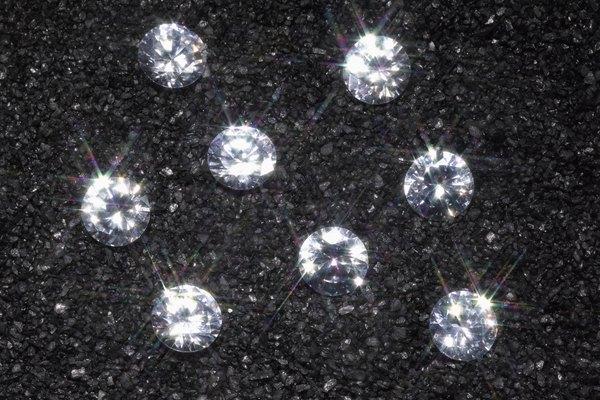 Los diamantes y el grafito tienen mucho en común.