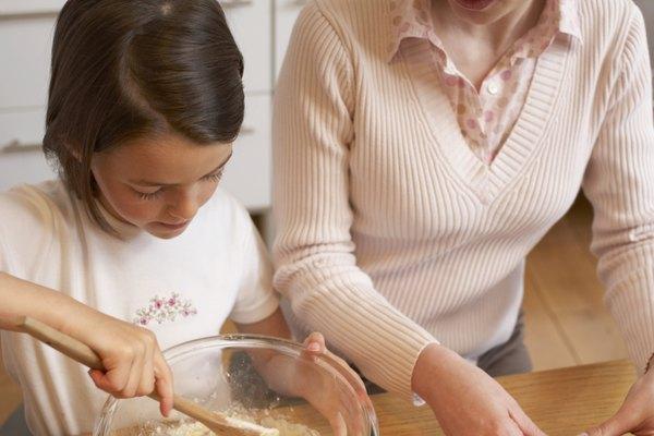 Seguir adecuadamente la receta de la torta ayuda a evitar que se caiga la misma.