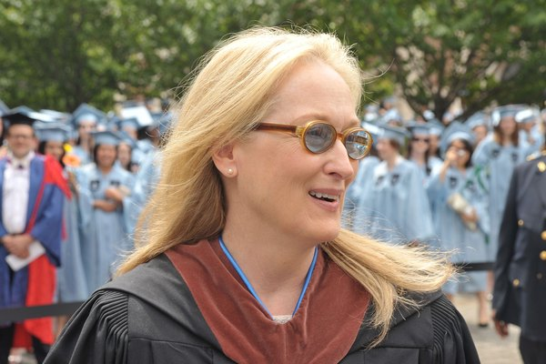 Meryl Streep recibiendo un doctorado honorario.