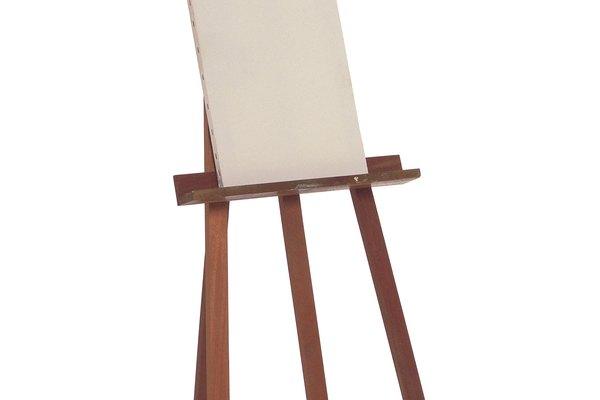 Sella la madera con gesso antes de aplicar las pinturas.