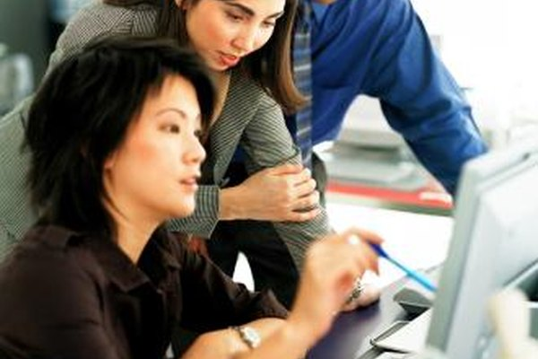 Las tácticas son las acciones concretas adoptadas para poner en práctica una estrategia de negocios.
