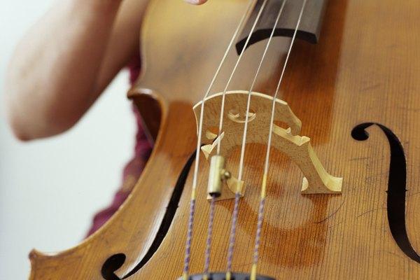 El sonido de un contrabajo es mucho más grave que el de un violonchelo.