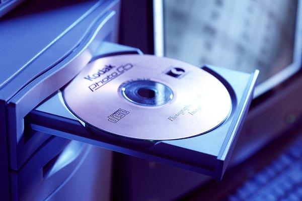 Las computadoras tienen varios dispositivos de almacenamiento, incluidas las unidades de CD.