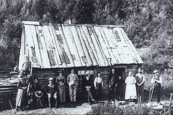 Las oportunidades de trabajo estuvieron presentes en Estados Unidos, ya que había muy poca gente que viviendo aquí cuando los colonos decidieron emigrar.
