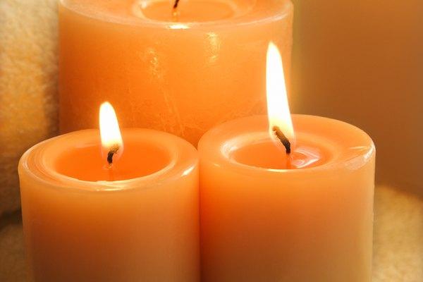 Para hacer tus propias velas, primero necesitarás hacer tu propia cera.