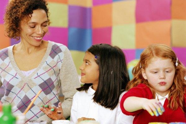 Los niños pequeños prefieren colores luminosos y cálidos.