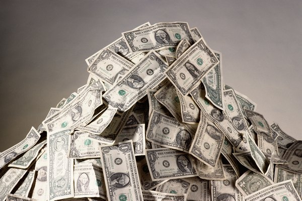 Nunca intentes reparar o lavar tu papel moneda por tu cuenta.