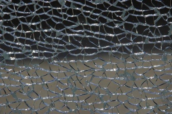 El vidrio templado se rompe más fácilmente que el vidrio normal.